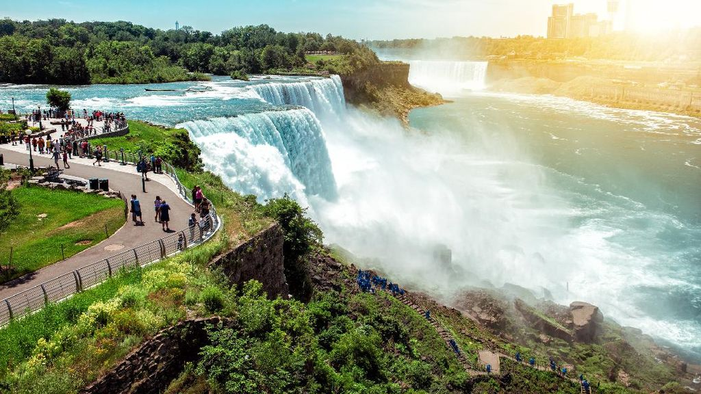 Intip Lagi Pesona Air Terjun Niagara