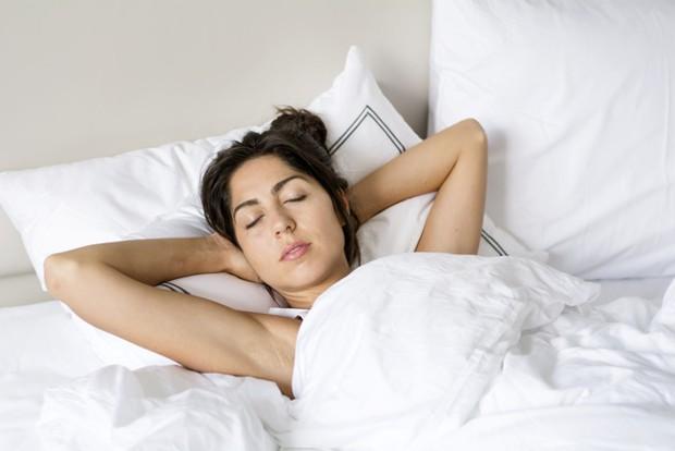 Memilih tempat tidur yang berkualitas dapat membantu mengurangi rasa sakit dan nyeri punggung.