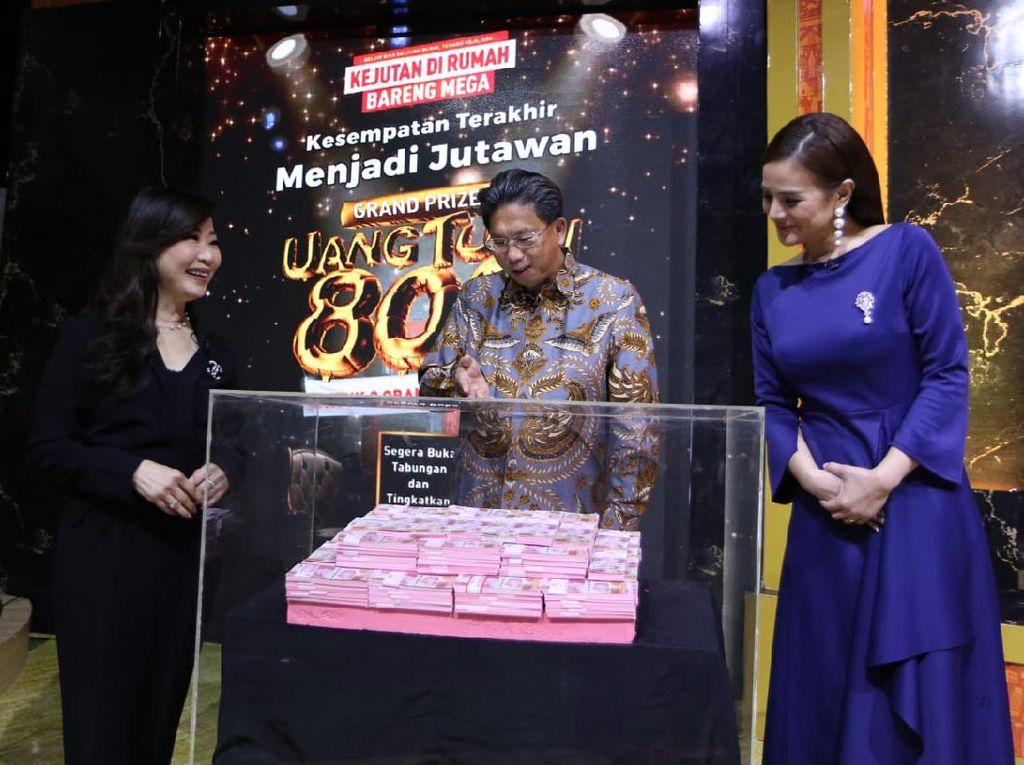 Penyerahan Hadiah Grand Prize Kejutan di Rumah Bareng Mega
