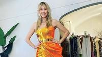 Gaya Seksi Heidi Klum Dukung Timnas Jerman, Pakai Crop Top yang Bikin Salfok