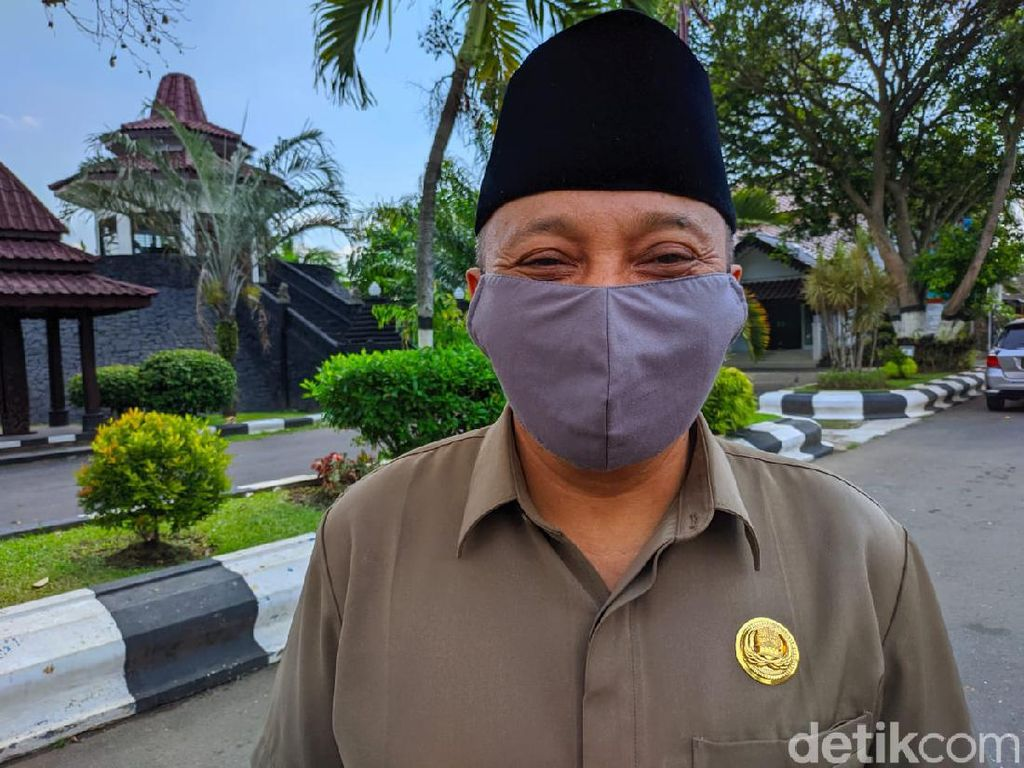 Kasus COVID-19 di Blitar Meningkat, MUI Imbau Salat Idul Adha di Tanah Lapang.