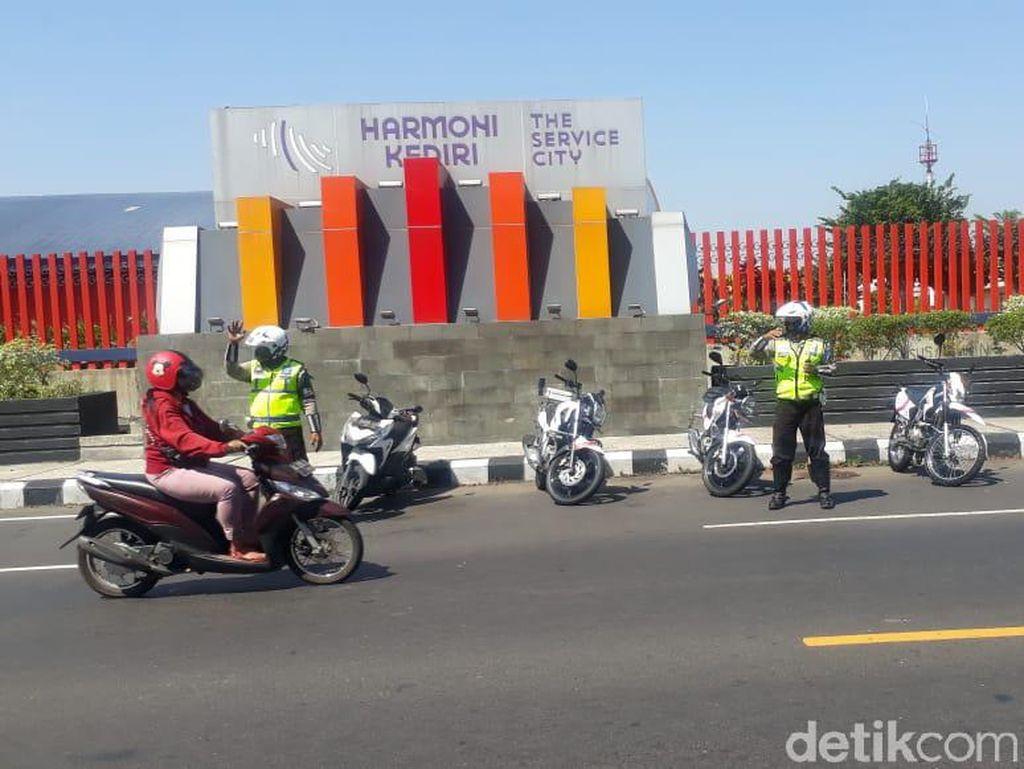 Polisi Kediri Ancam Sita Kendaraan yang Dipakai Takbir Keliling