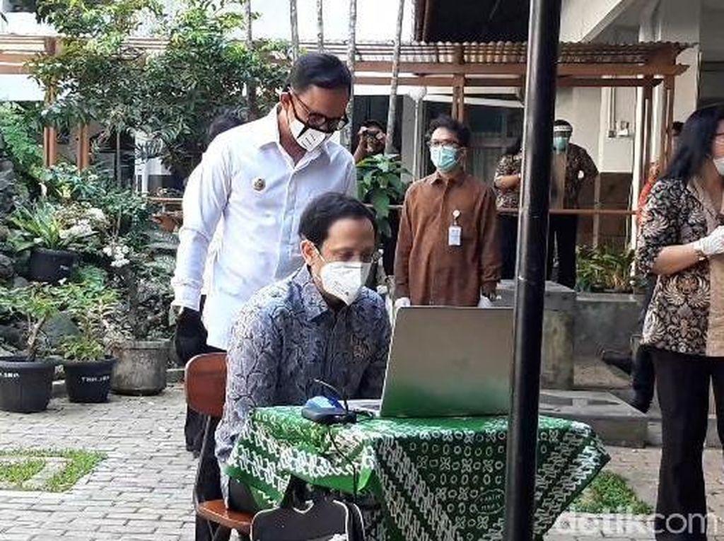Nadiem ke Siswa SMA di Bogor: Sabar Belajar Jarak Jauh Tak Selamanya