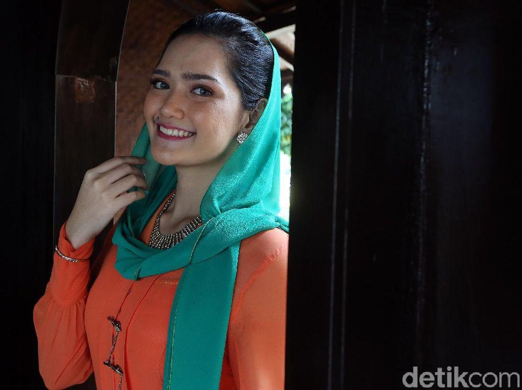 Saat Traveling, None Jakarta Wajib Bawa Permen Karet