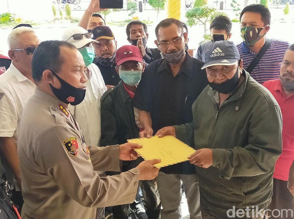 Puluhan LSM Banyuwangi Dukung Polisi Tangkap Oknum Pengeroyok Dokter