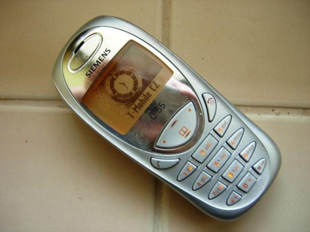 Deretan Ponsel Ikonik Andalan Remaja 2000-an