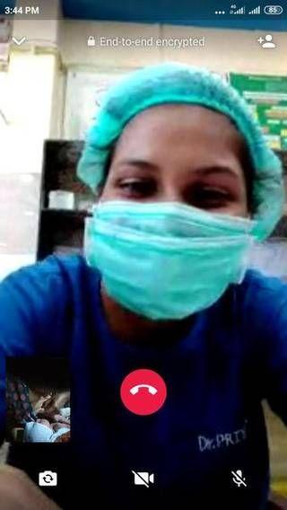 Mendebarkan! Bak Adegan Film, Ibu Melahirkan Dibimbing Dokter via Video Call