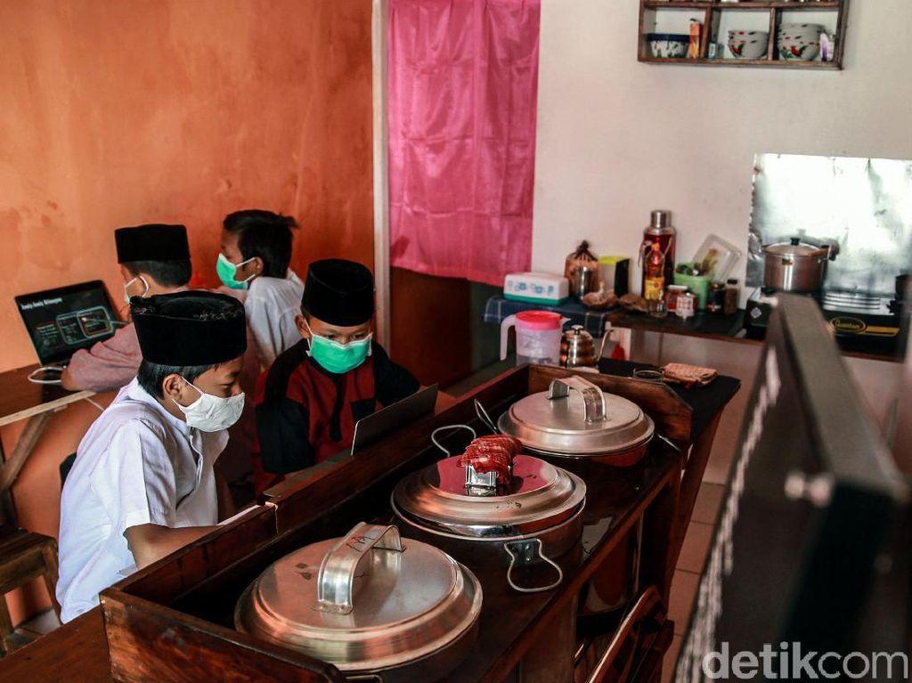 Ada WiFi Gratis, Warkopi di Tangsel Ini Diserbu Siswa SD