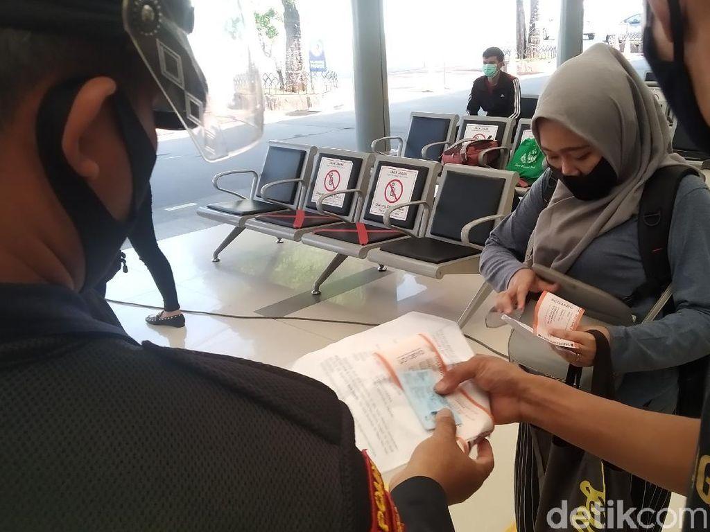 H-1 Idul Adha, Begini Situasi di Stasiun Senen Jakpus