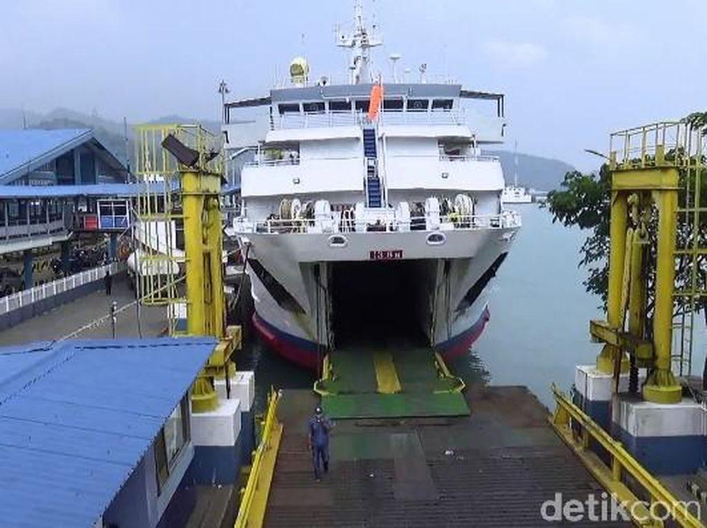 Pelabuhan Merak Mulai Ramai
