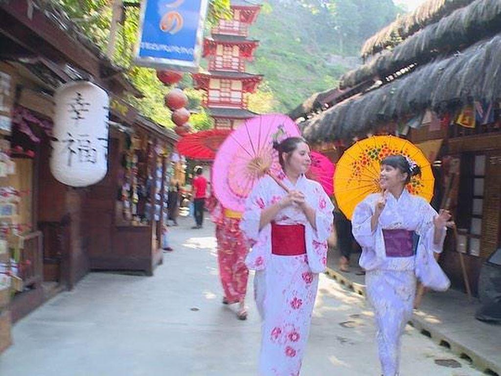 Celebrity On Vacation : Wisata Bandung Rasa Jepang