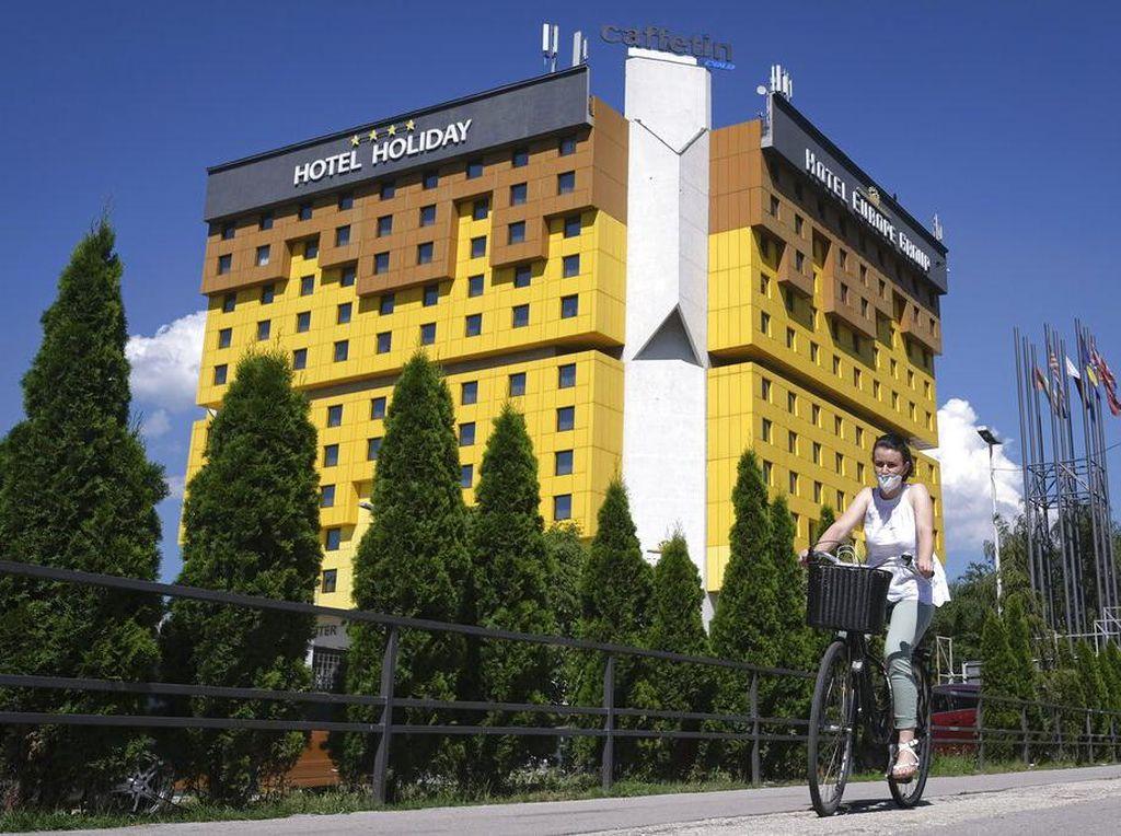 Hotel Bersejarah di Bosnia Ini Diambang Krisis Akibat Pandemi