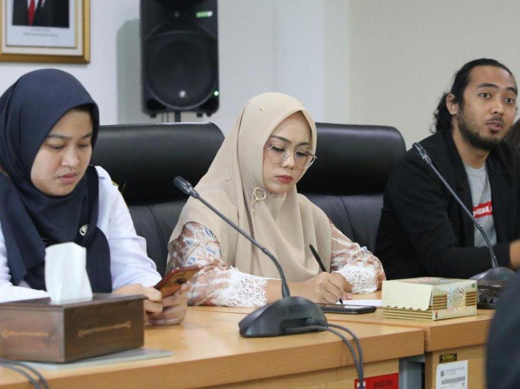Pimpinan DPRD DKI: Lebih Baik Nadiem Mundur Ketimbang Berdalih soal PJJ