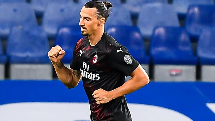 GENOA, ITALY - JULY 29: Zlatan Ibrahimovic of Milan celebrates after scoring his second goal during the Serie A match between UC Sampdoria and AC Milan at Stadio Luigi Ferraris on July 29, 2020 in Genoa, Italy. (Photo by Paolo Rattini/Getty Images)
