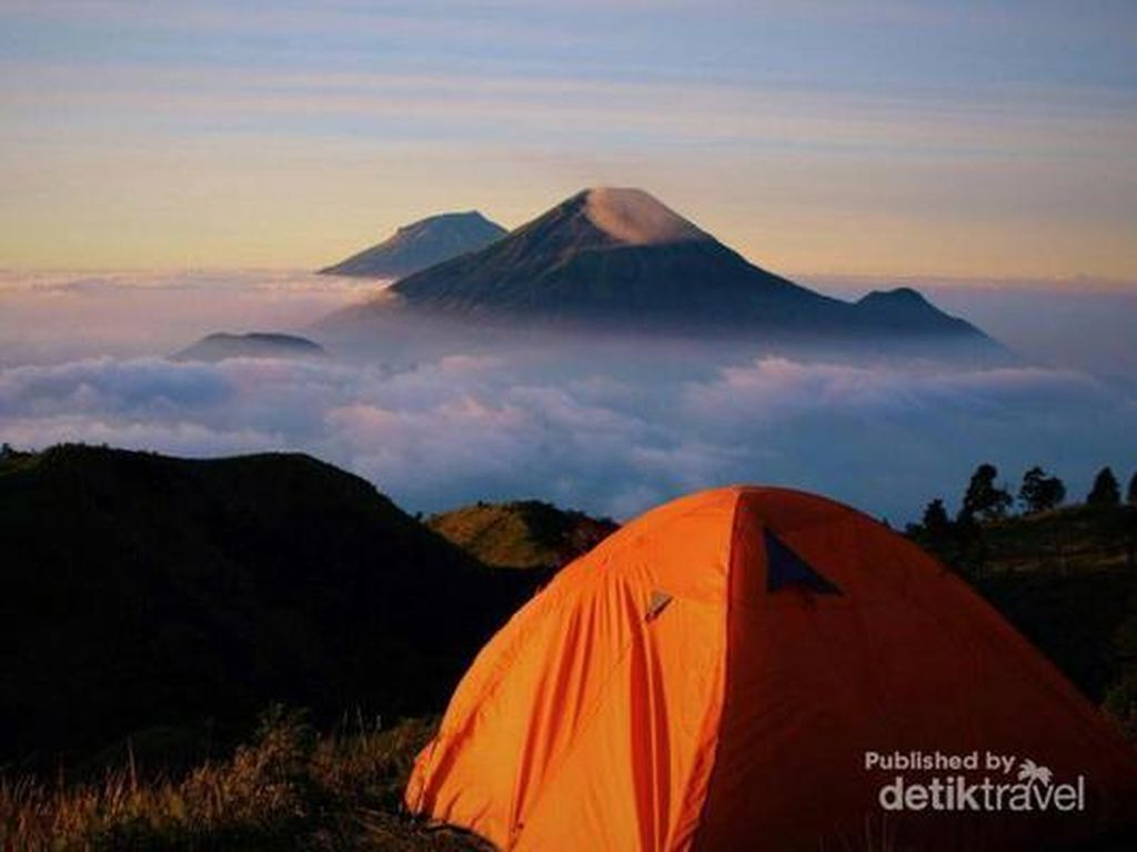 Potret Gunung yang Bikin Kangen Pendakian