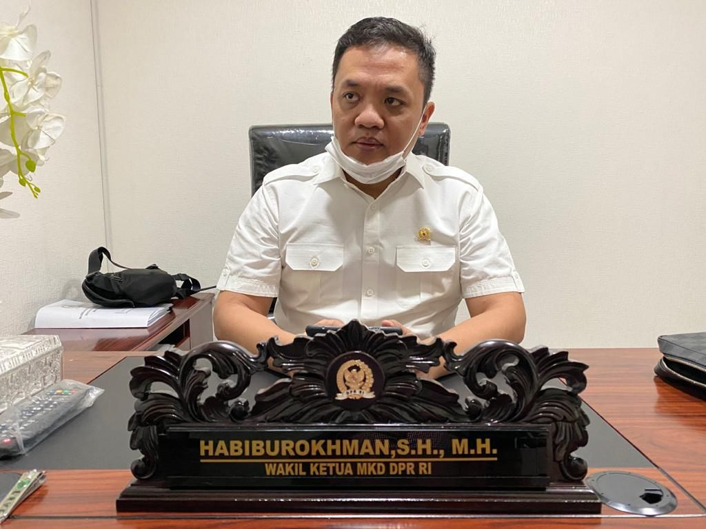 Ponakan Prabowo Diserang Lewat Foto Hamil, Gerindra Dukung Jalur Hukum