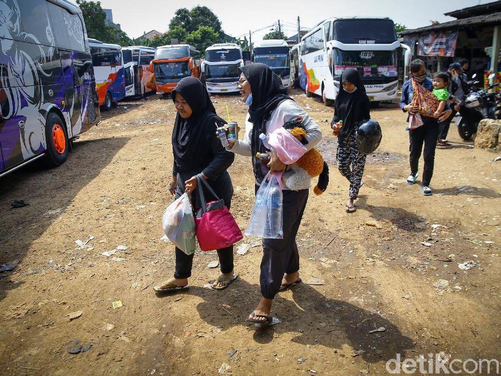 Akibat Simpang Siur Libur Panjang Natal-Tahun Baru, Ratusan Miliar Tiket Di-refund