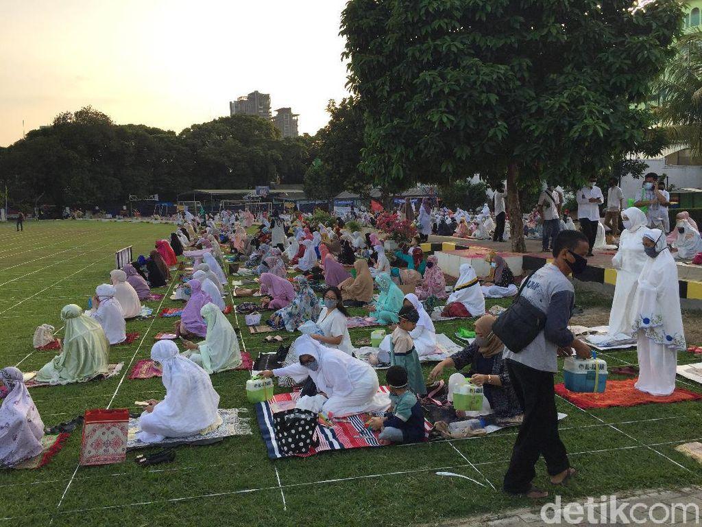 Video: Suasana Salat Id di Masjid Agung Al-Azhar Jaksel