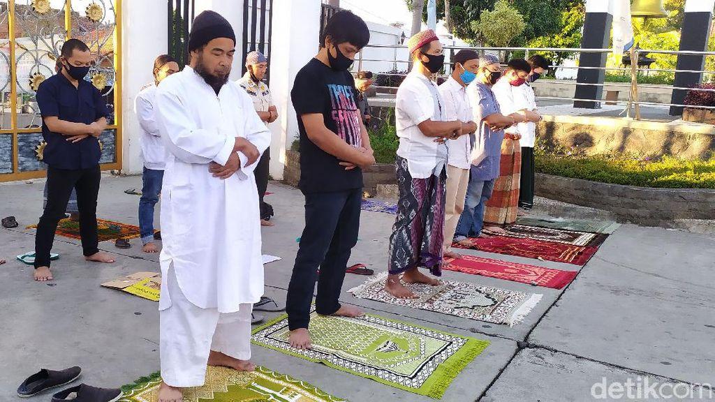 Umat Islam di Cianjur Salat Idul Adha di Masjid Agung dan Alun-alun