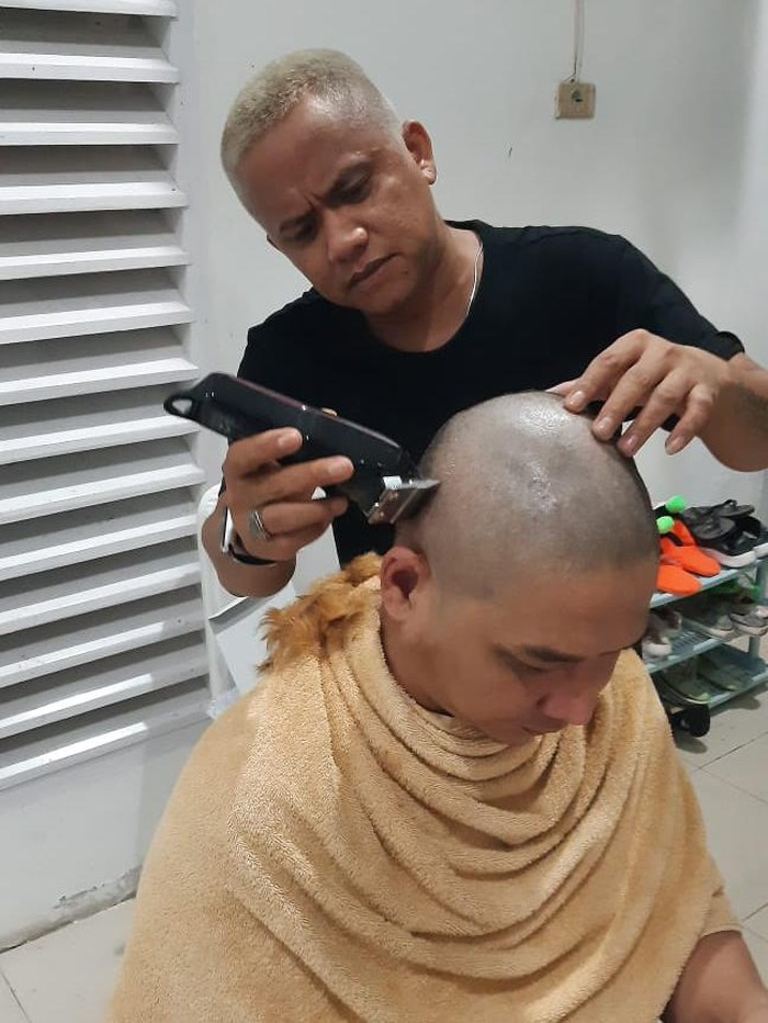 Wakil Wali Kota Palu, Sigit Purnomo Said (Pasha Ungu) cukur gundul usai rambut pirangnya jadi sorotan (dok. Istimewa)
