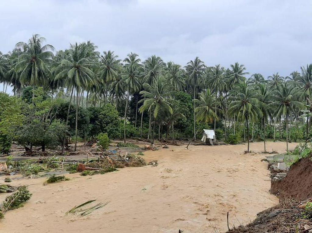 Banjir Bandang Terjang Bolsel Sulut, 29 Rumah Hanyut-1 Jembatan Rusak
