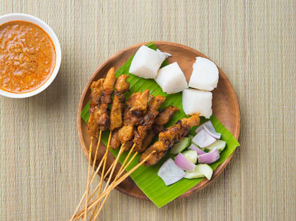 Di Jalur Mudik Cirebon-Brebes, Ada Empal Gentong dan Nasi Jamblang Sedap