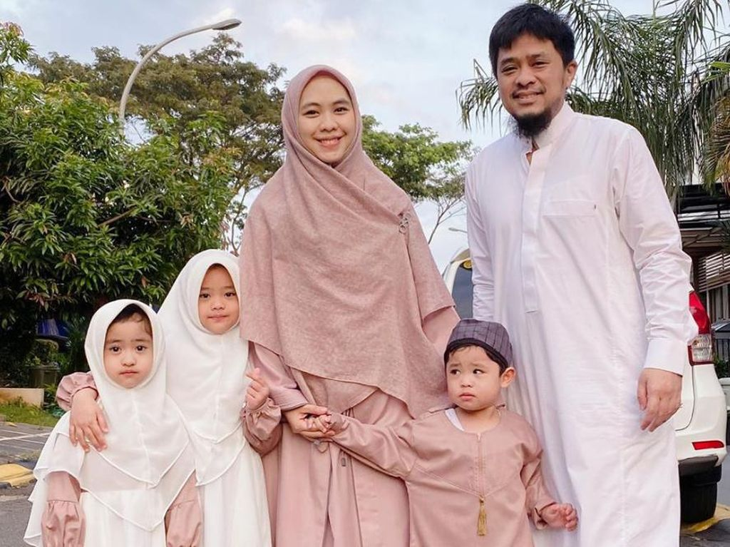 Baru Lahir, Anak ke-4 Oki Setiana Dewi Punya Puluhan Ribu Followers di Instagram