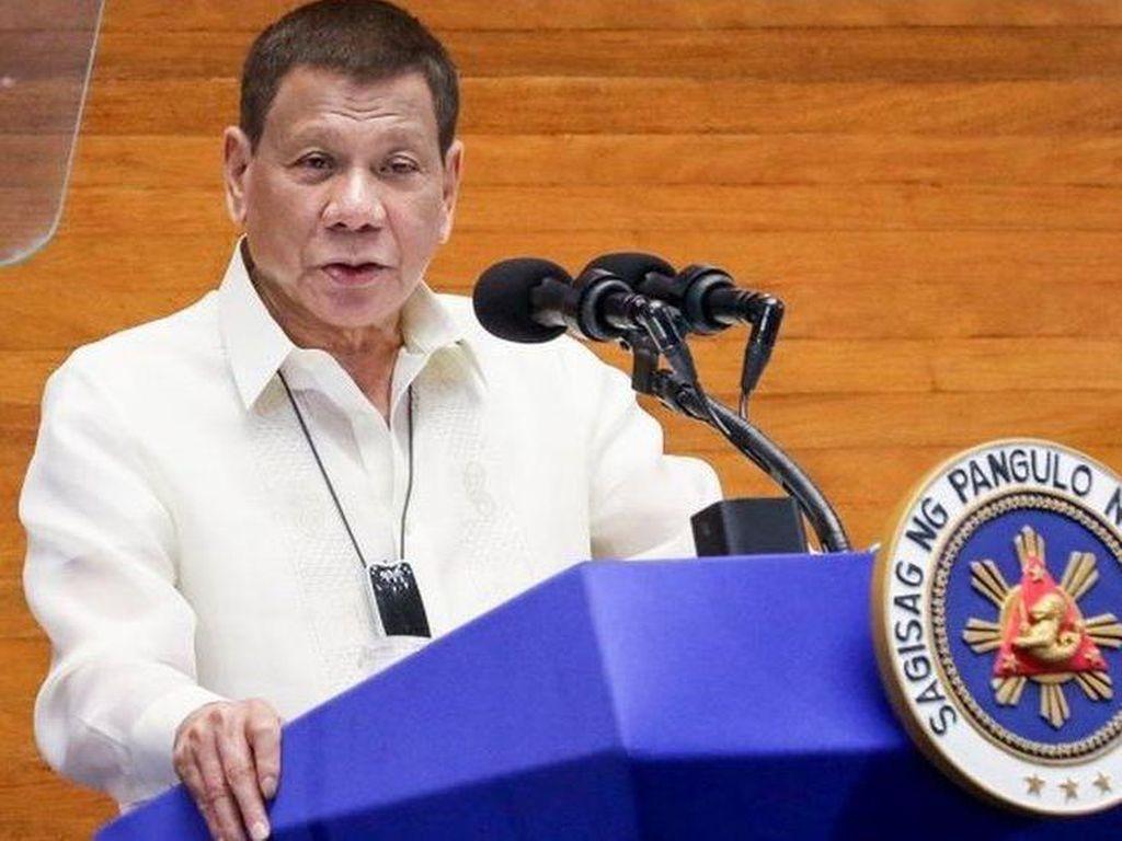 Polisi Filipina Tembak Kepala Ibu-Anak, Duterte: Sangat Brutal