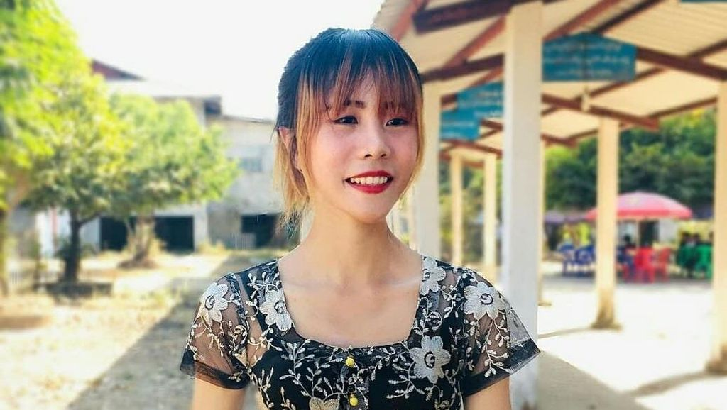 Penampilan Wanita Dengan Lingkar Pinggang Hanya 34 CM, Terkecil di Dunia?