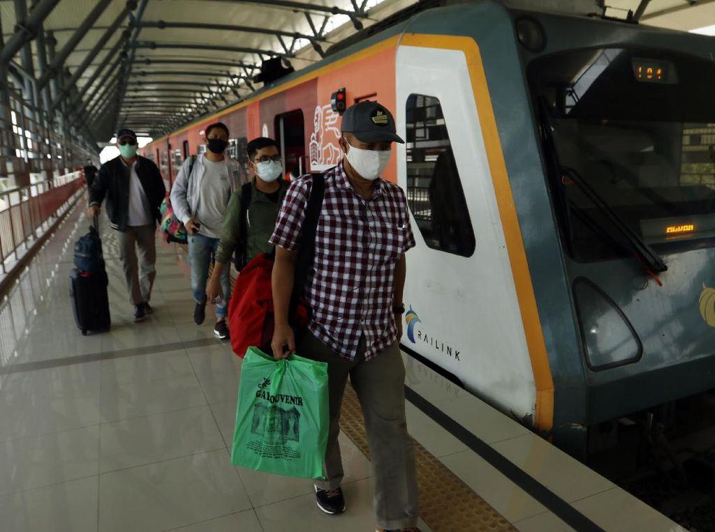 1.025 KM Jalur Kereta Api Telah Dibangun Sejak Tahun 2015
