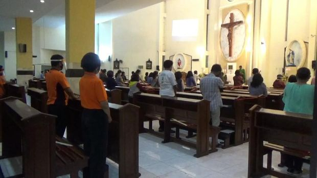 Gereja Katolik Tulungagung Kembali Laksanakan Misa Tatap Muka