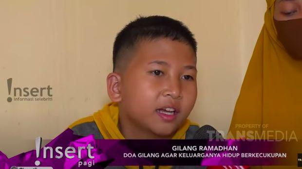 Gilang bocah putus sekolah yang berjualan di pinggir jalan Tangerang.