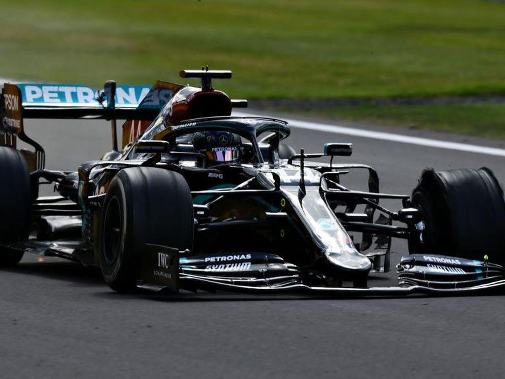 Video Detik-detik Pecahnya Ban Hamilton Jelang Finish GP Inggris