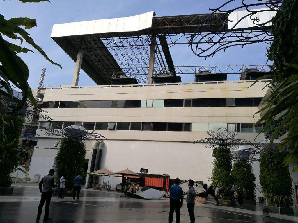 Sisi Atap Gedung Parkir Terminal 3 Soetta Runtuh, AP II: Tak Ada Korban