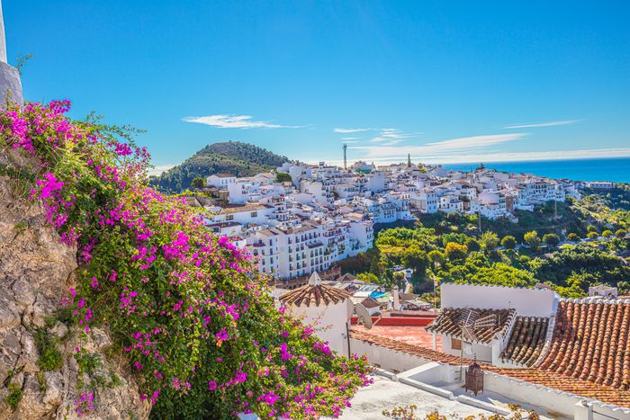 all white village of south Spain(スペイン南部、白い建物が可愛い町)
