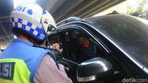 369 Pemobil Kena Tegur di Hari Pertama Ganjil Genap Jakarta