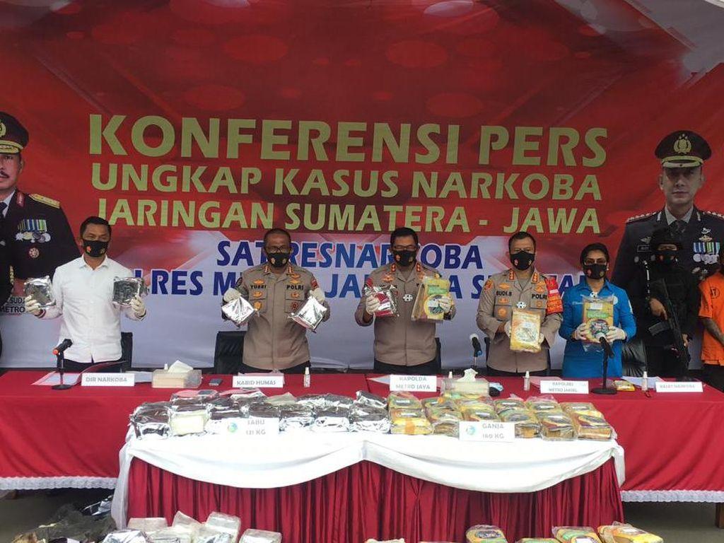 Polisi Ungkap 131 Kg Sabu dalam Truk Batu Bata di Jaksel, 2 Kurir Ditangkap
