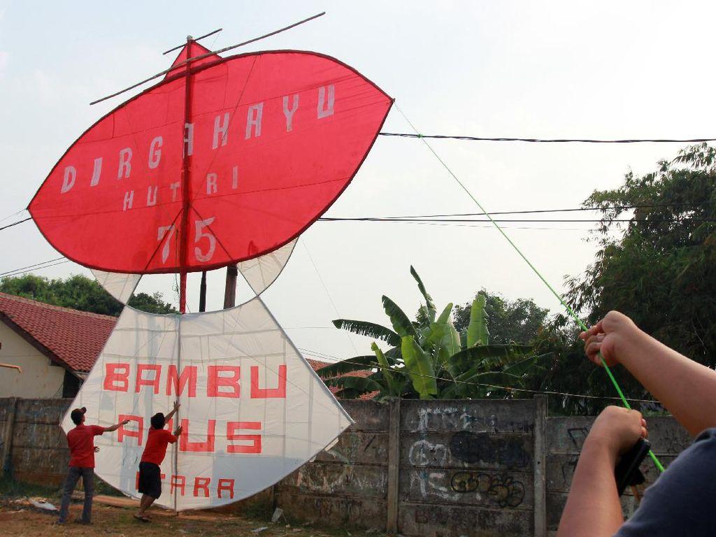 Tangsel Punya Layang-layang Raksasa Berbobot 50 Kg Lho