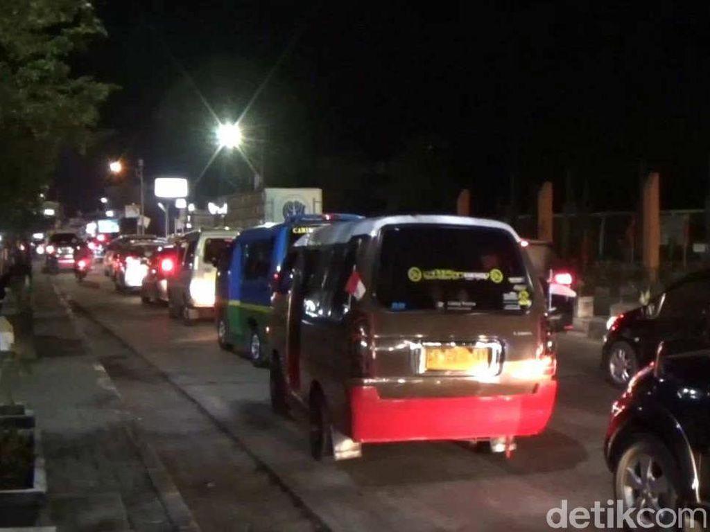 Arus Balik Idul Adha, Jalan Raya Sumedang-Bandung Macet
