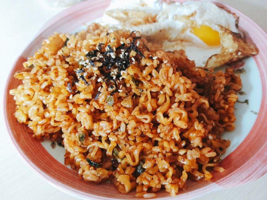 5 Kreasi Nasi Goreng Korea Enak dan Mudah Dibuat