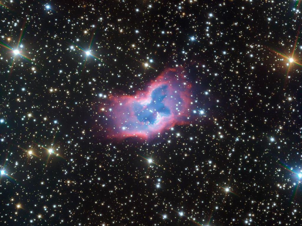 Astronom Tangkap Nebula Kupu-kupu yang Menakjubkan