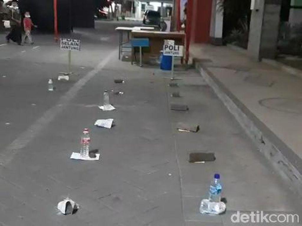 Perjuangan Calon Pasien di RSUD Pasuruan, Antre Pakai Batu-Botol