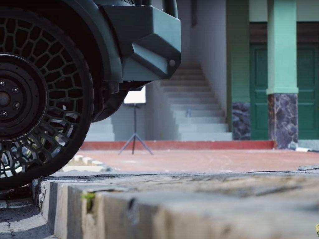 Lulus Uji Paku dan Peluru, Ban Tanpa Udara TNI AD Segera Dites di Jalan Tol