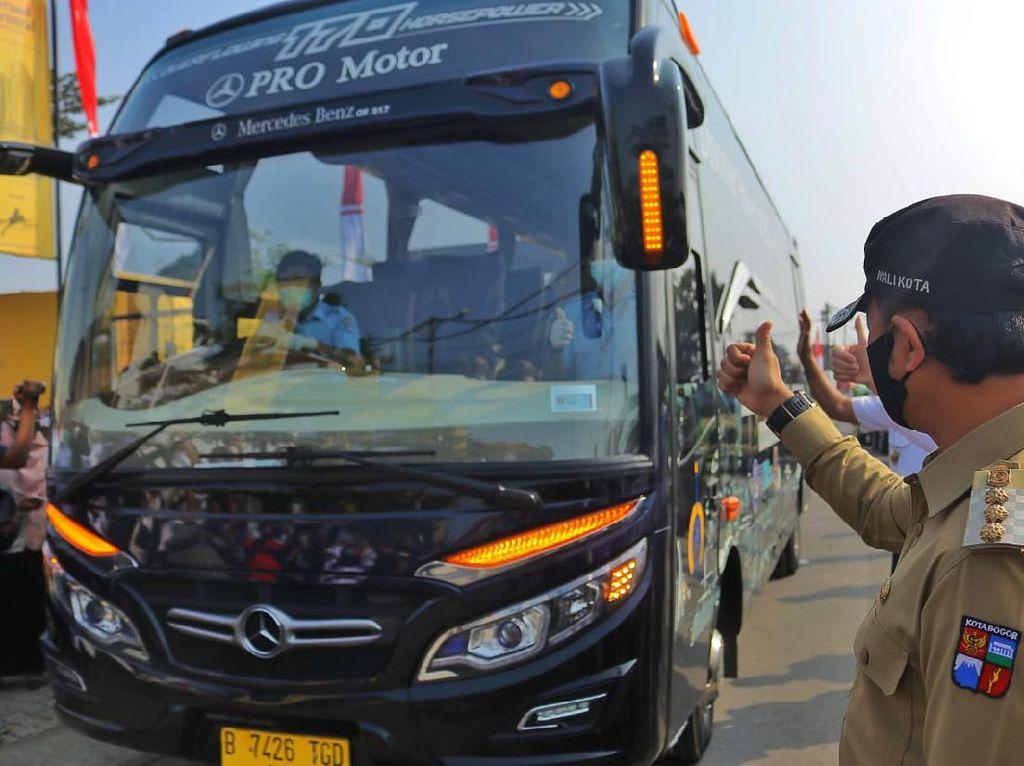Urai Kepadatan KRL, Bus JR Connexion dari Stasiun Bogor Dioperasikan