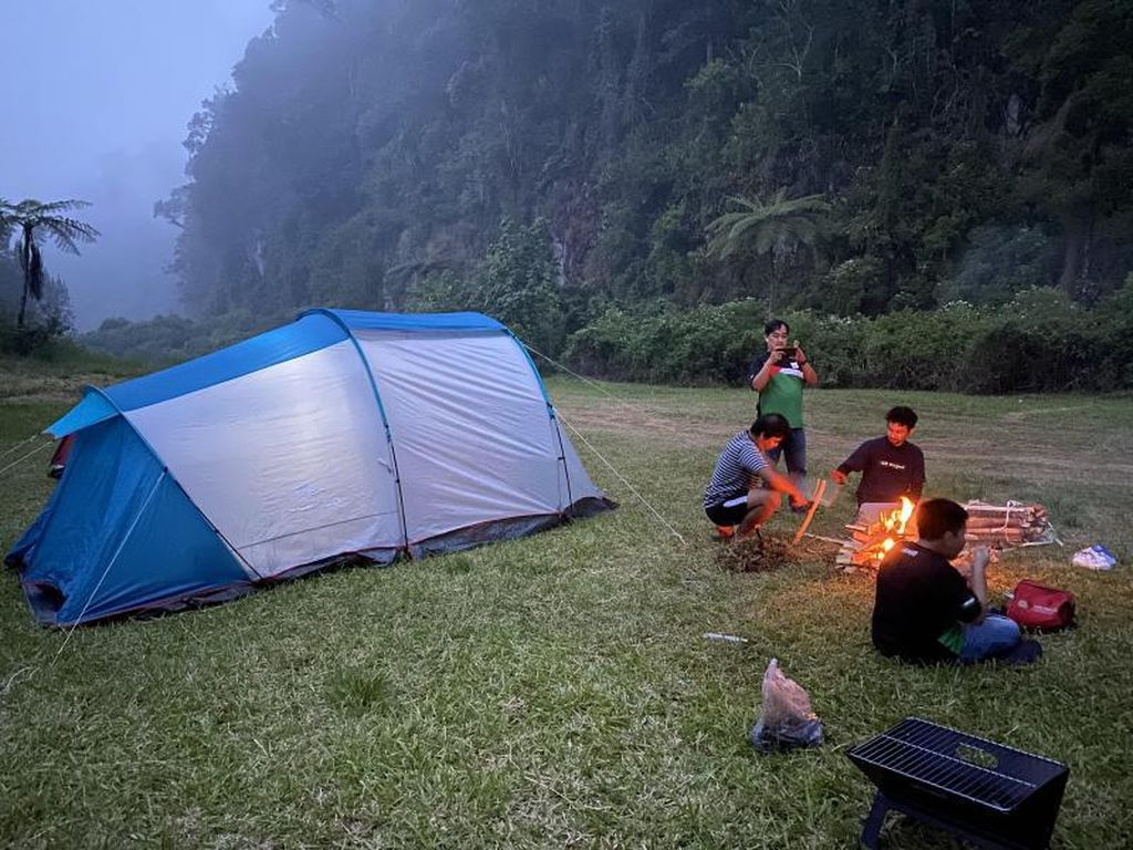 Alternatif Wisata Berkemah yang Tak Jauh dari Jakarta
