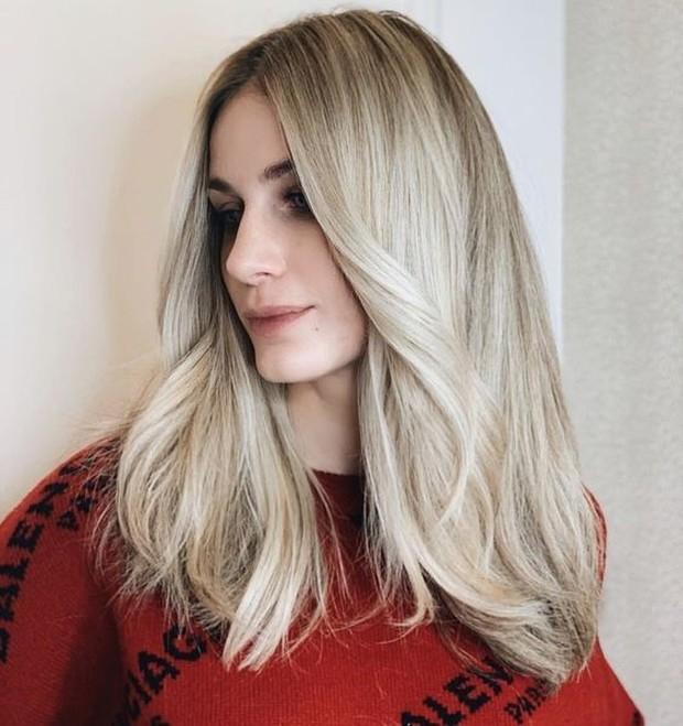 Cocok bagi wanita yang ingin memelihara rambut panjang namun memperhatikan perawatan.