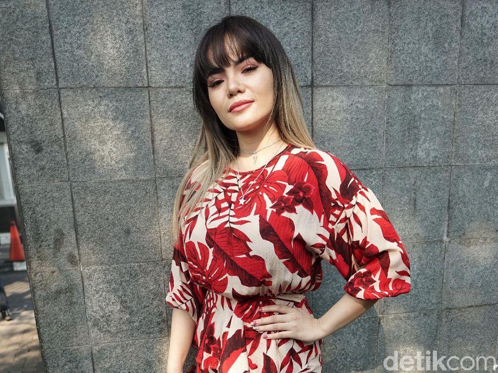 Kerap Tampil Seksi, Dinar Candy Akui Pernah Dilecehkan Fans