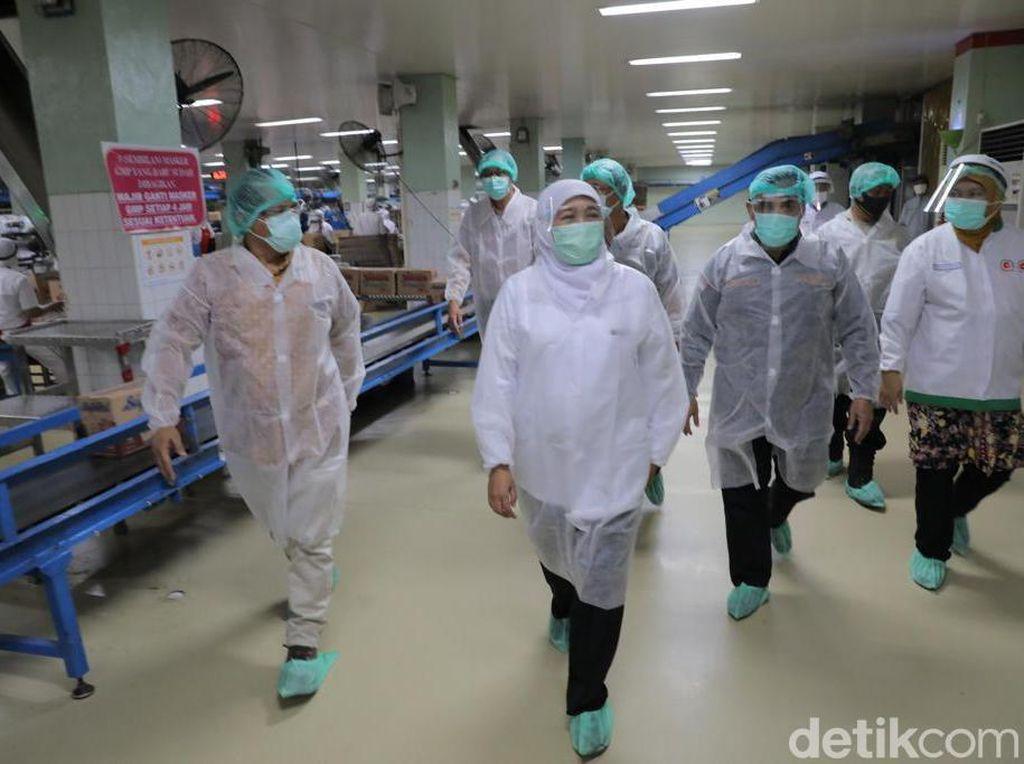 Gubernur Khofifah Ingin Pastikan Sektor Industri Utamakan Protokol Kesehatan