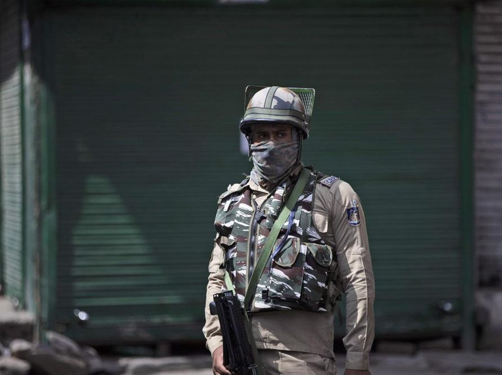 Baku Tembak Tewaskan Petinggi Kelompok Teroris di Kashmir