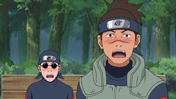 Iruka Umino (kanan) dalam anime Naruto